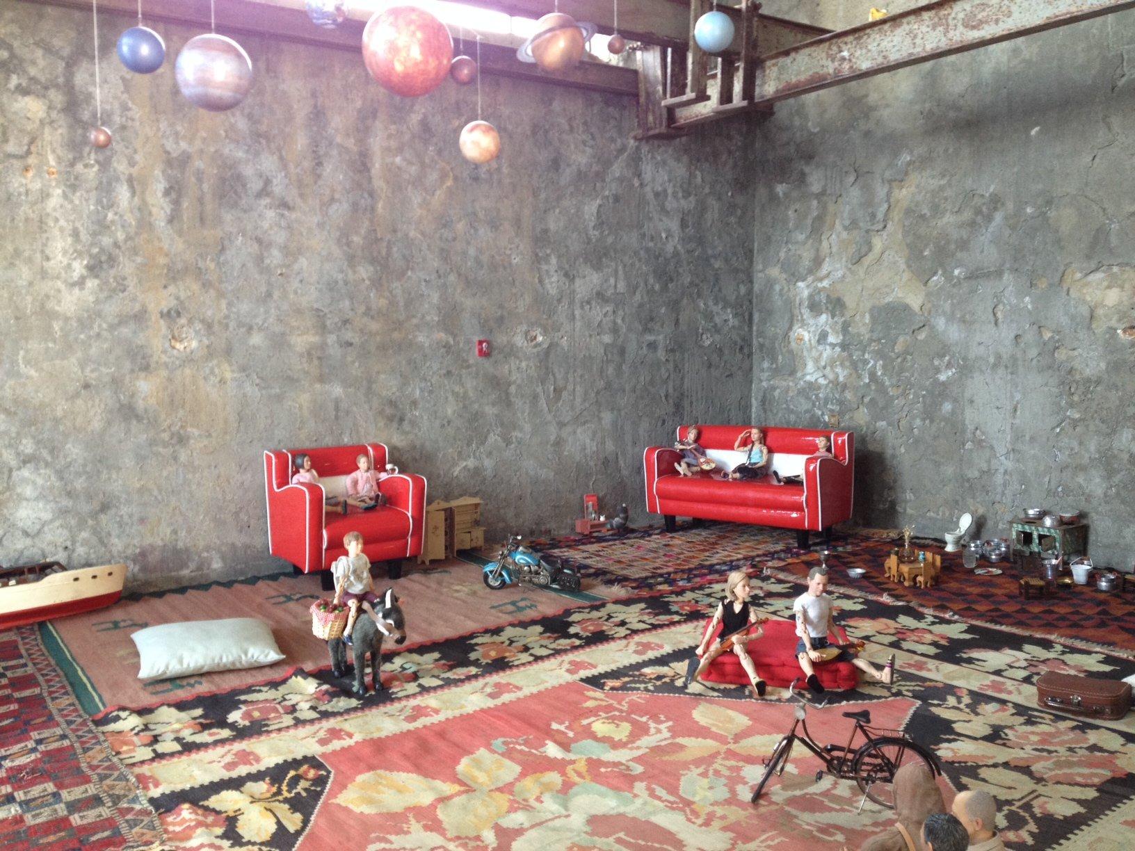 Ένα installation από το Ίδρυμα ΔΕΣΤΕ στην Ύδρα